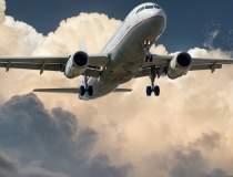 Un avion de pasageri a...