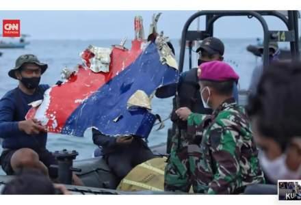 A fost descoperită epava avionului dispărut în largul Indoneziei