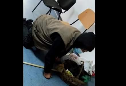VIDEO: Un bătrân cere ajutor în genunchi pe holurile unui spital din Corabia. Ministrul Sănătății a cerut o anchetă