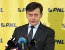 Crin Antonescu a demisionat....