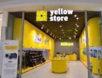 Magazine Nikon Yellow Store,...