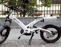 """ORIGINAL. Cu bicicleta """"lui..."""