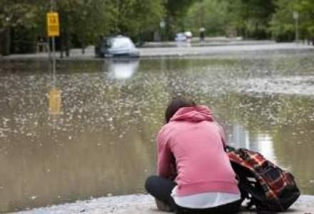 Cod portocaliu de inundatii pe Dunare si rauri din 15 judete