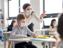 Vaccinarea profesorilor și a...