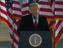 Donald Trump a părăsit...