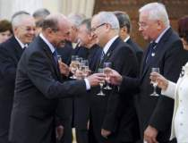 Basescu se intalneste cu...