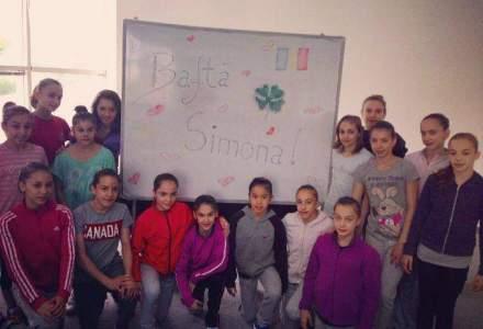 """Simona Halep, sustinuta de gimnastele din lotul national: """"Bafta, Simona!"""""""