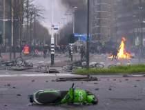 Proteste violente în Olanda,...