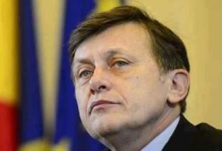 Crin Antonescu, sustinut de mai multi lideri ai PNL in sondajele comune cu PDL