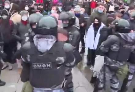 Rusia: Soţia lui Navalnîi, reţinută la protestul de la Moscova