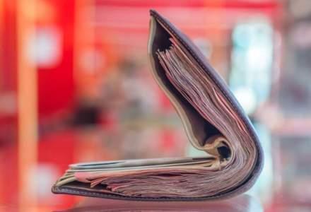 Aproape jumătate dintre români vor să pună bani deoparte anul acesta