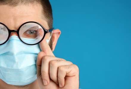 Cum să nu ți se aburească ochelarii când porți mască. Câteva sfaturi utile