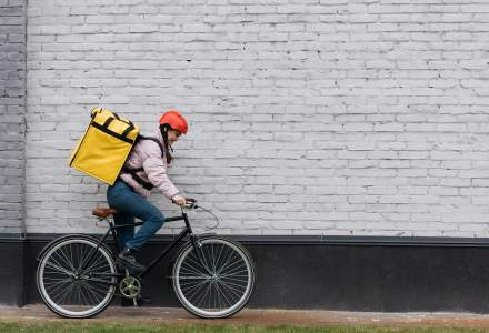 BeeFast: câți bani poate ajunge să câștige un curier pe bicicletă