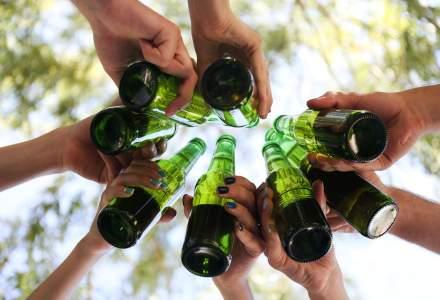 Elevii din România încep să bea la 13 ani și sunt printre adolescenții care consumă cele mai mari cantități de alcool din UE