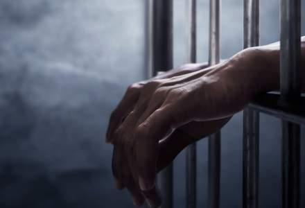 Români arestați pentru spargeri la casele vedetelor din Ibiza: James Blunt, una dintre victime