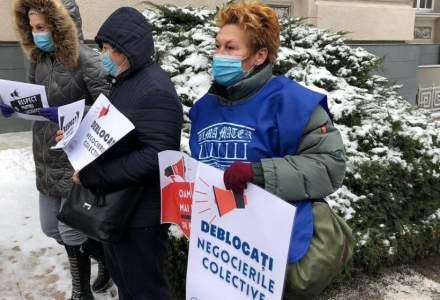 Sindicaliștii protestează în fața Ministerului Muncii. De ce sunt nemulțumiți?