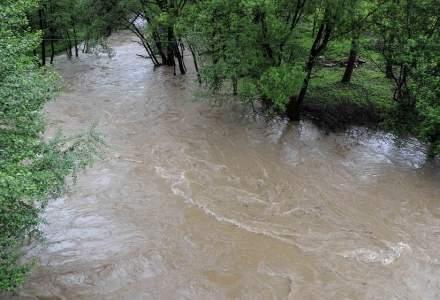 Cod portocaliu de inundații pe mai multe râuri din nordul țării