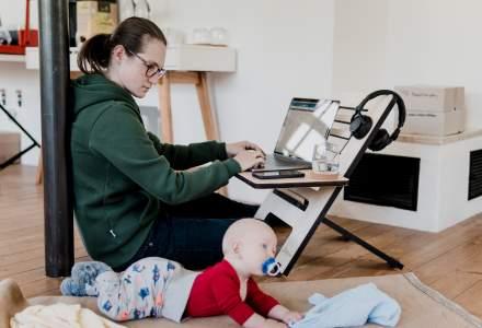 Efectele pandemiei: 5 din 10 femei lucrează mai puțin de 8 ore pe zi, pentru a putea avea grijă de copii și casă