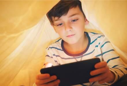 Un copil german a cheltuit 2.700 euro într-un joc pe telefonul mamei