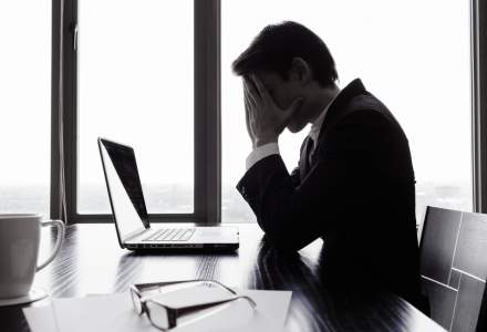 Românii sunt cei mai stresați și temători angajați din regiune, dar ultimii la terapie