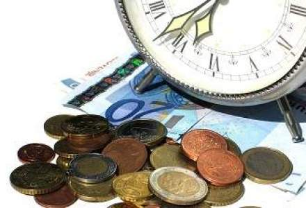 Cinci barbati retinuti in Bulgaria pentru atacuri defaimatoare impotriva bancilor