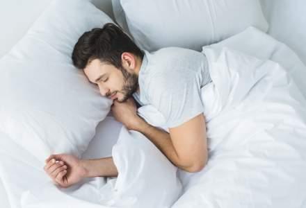 Cum să ai parte de un somn mai bun? Ce trebuie să schimbi în dormitor?