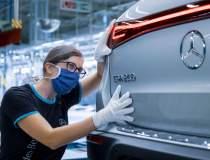 Mercedes-Benz lansează în...