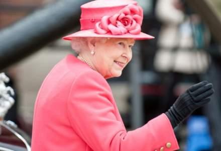 Regina Elisabeta îi încurajează pe britanici să se vaccineze