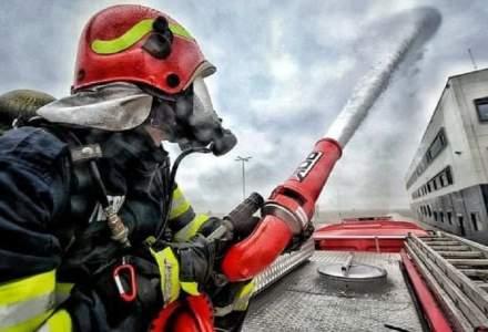 Incendiu puternic la Consiliul Județean și Prefectura Suceava