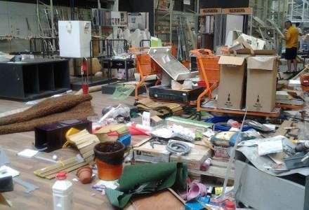 FOTO   Romanii au vandalizat, la propriu, magazinele OBI. Cum arata dezastrul lasat in spatiile comerciale, dupa numai cateva zile de reduceri