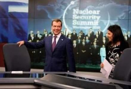 """O prezentatoare Russia Today a recunoscut ca raspandeste """"minciuni"""" pentru Putin si a demisionat"""