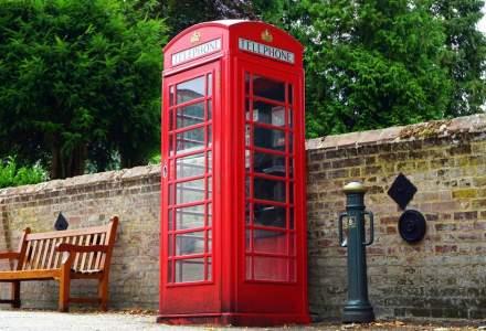 Cum ajută celebrele cabine telefonice din Marea Britanie la salvarea de vieți