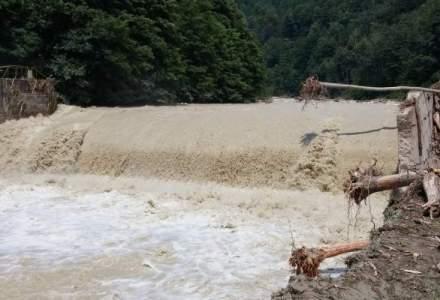 Cod ROSU de inundatii pe rauri din Caras-Severin si Timis