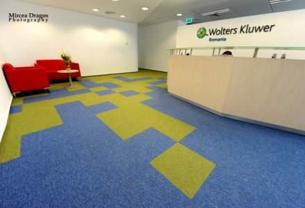 Un puzzle de culoare si lumina: o plimbare prin biroul prietenos al Wolters Kluwer, unul din publisherii de top din juridic
