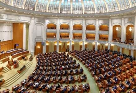 Proiect USR PLUS: Reducerea indemnizațiilor parlamentarilor care-și înjură colegii