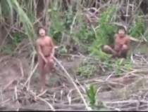 Un trib din Amazon ia contact...