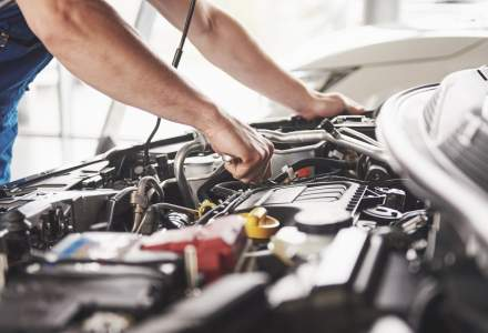 Asiguratorii cer introducerea unui tarif de referință pentru reparațiile auto, cu titlu informativ, și nu o co-plată
