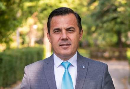 Ion Ștefan, fostul ministru al Deazvoltării a fost dus la spital după ce a căzut de pe o hală industrială