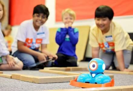 """Abilitățile digitale ale viitorului stau în mâinile copiilor, care s-au """"îndrăgostit"""" de roboți"""