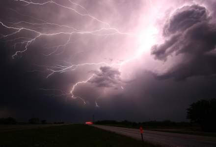 STUDIU: Viața a apărut pe Pământ datorită fulgerelor