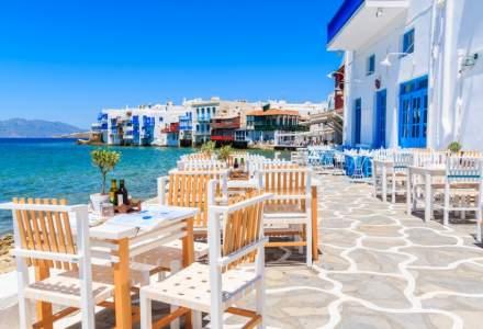 Turiștii care călătoresc în Grecia nu vor mai sta în carantină 7 zile