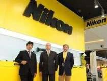 Nikon estimeaza un varf al...