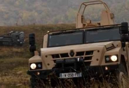 Jurnalistii straini au vazut blindate rusesti aproape de frontiera cu Ucraina