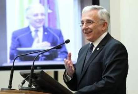 Isarescu vrea o lege privind aderarea la euro in 2019 pentru consolidarea reformelor indiferent de culoarea politica