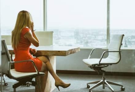 Garderoba de birou: cinci piese de sezon indispensabile pentru orice femeie