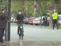 Iohannis, pe bicicletă spre...