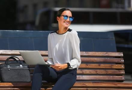 Cum să găsești echilibrul în stilul business casual feminin