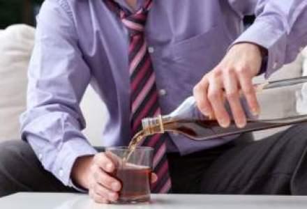 """Credeai ca britanicii sunt cei mai cheflii? Cat de mult """"lipici"""" are alcoolul la romani"""