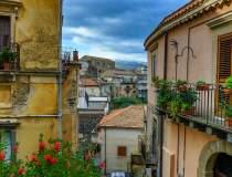 Încă un oraș italian vinde...