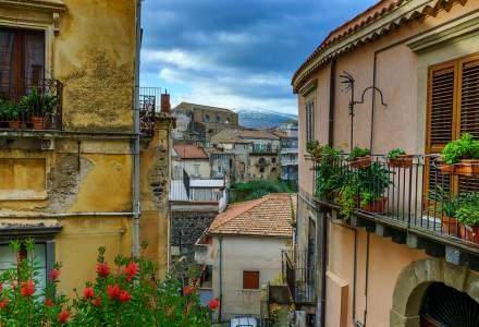 Încă un oraș italian vinde case la un euro